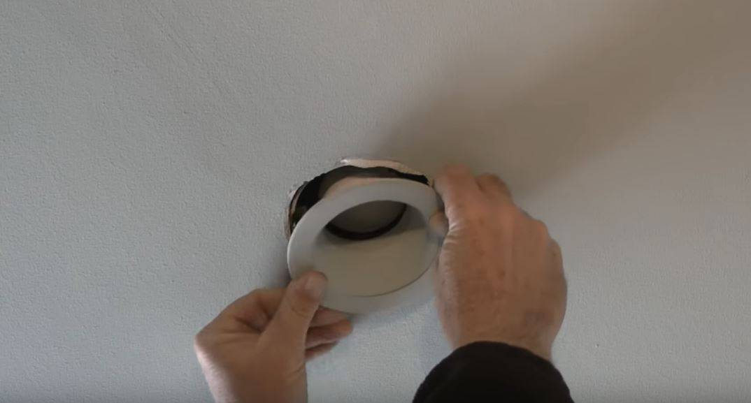 how-to-change-recessed-light step 5