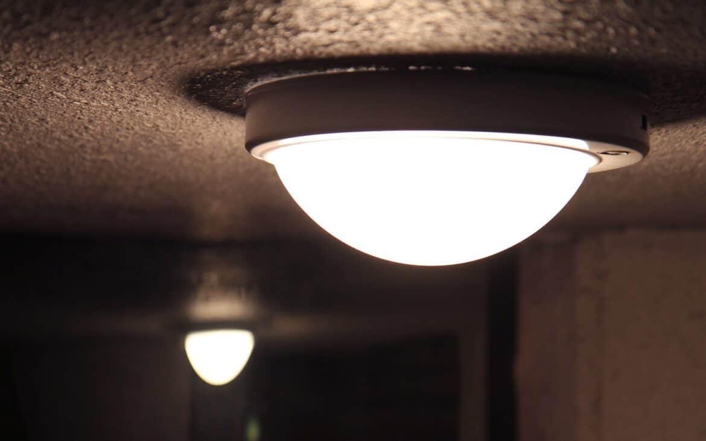 Integrated LED light bulb